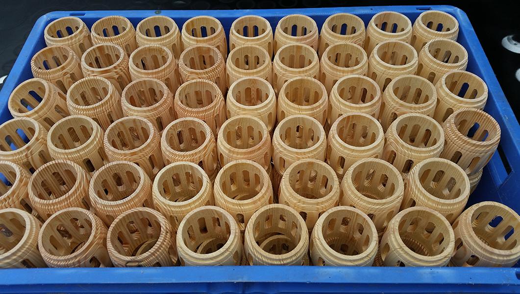 CNC-Drehteile mit Fräsungen für Imker-Rauchbläser