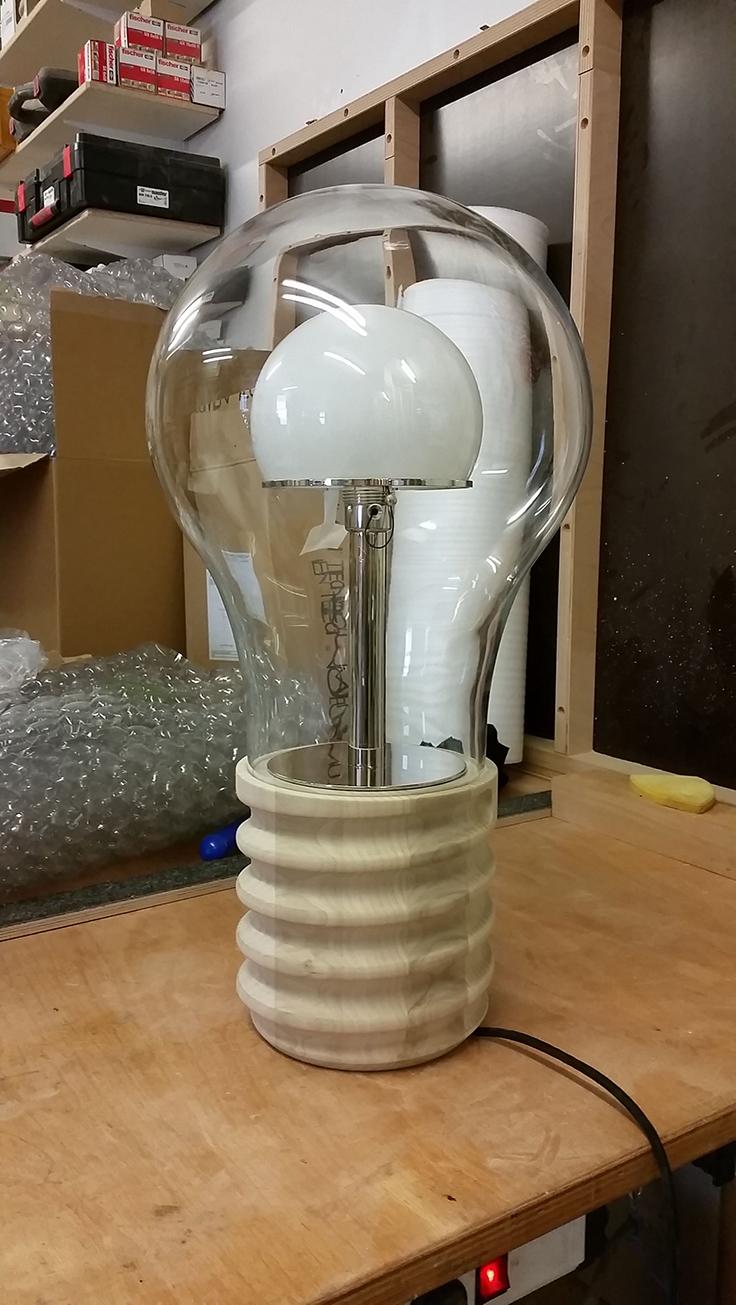 Fassung für Lampe aus Amerik. Whitewood