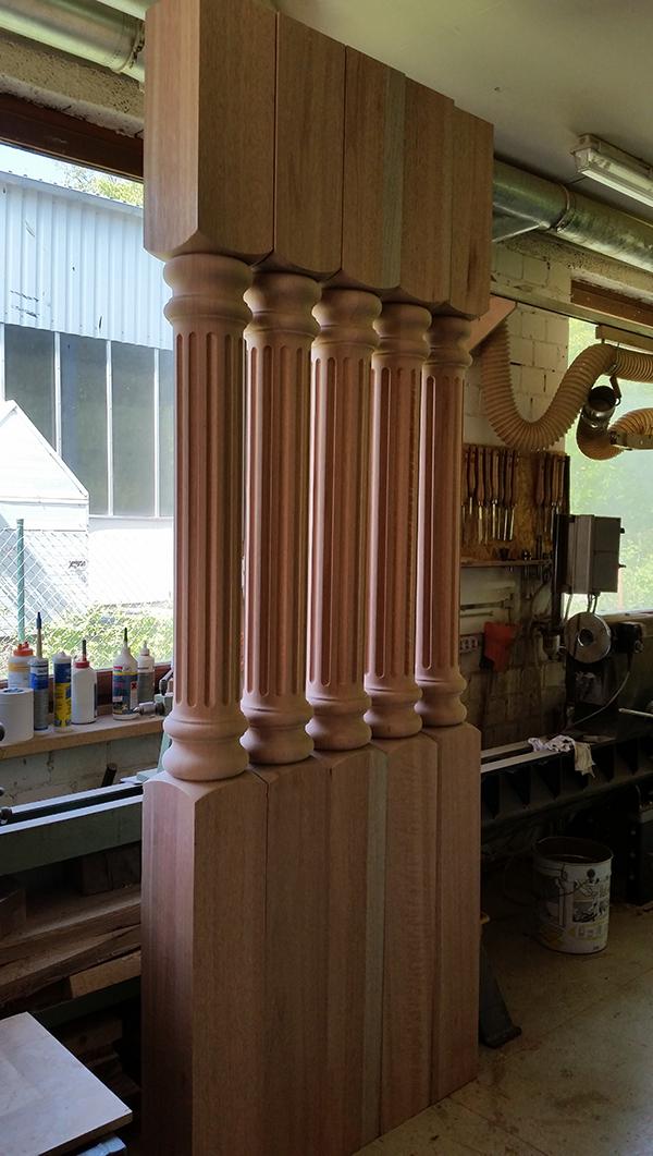 Kannelierte Säulen aus Meranti für Veranda-Überdachung
