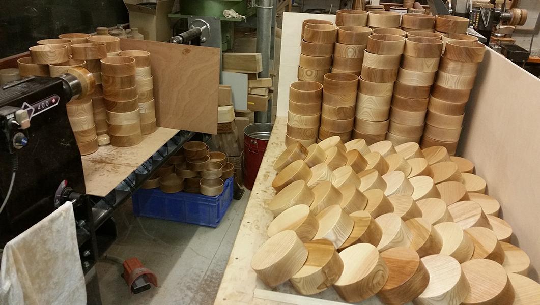 Querholzdosen-Unterteile aus Esche (Kundenauftrag)